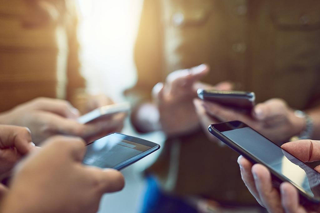 me-nje-veprim-kaq-te-thjeshte-ja-sa-lehte-mbrohet-celulari-nga-hakeret